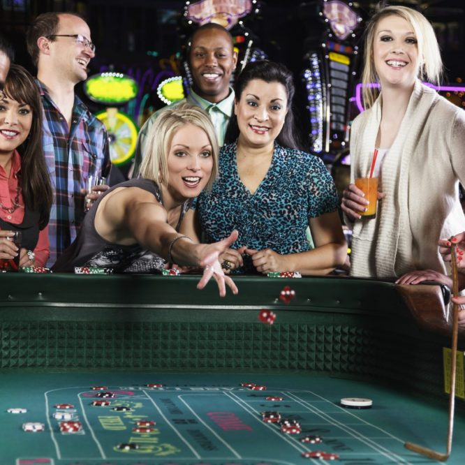 Top Reasons to Play Baccarat Online